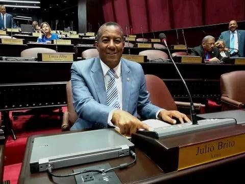 El diputado que votó a favor del estado de emergencia por amistad con Abinader
