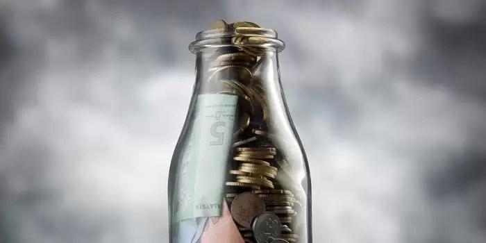 """El """"reto de la botella"""" para ahorrar más de 15,000 pesos sin darte cuenta"""