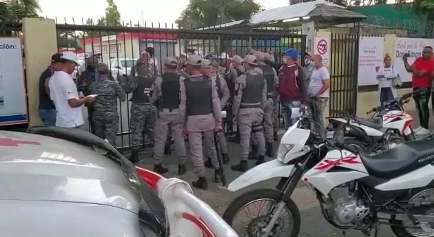 Varios heridos en disputa por control de la Cruz Roja