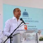 Gobierno inicia ampliación de tres carreteras en Santiago