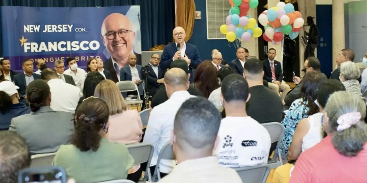 Domínguez Brito propone exoneración de servicios consulares a dominicanos en el exterior