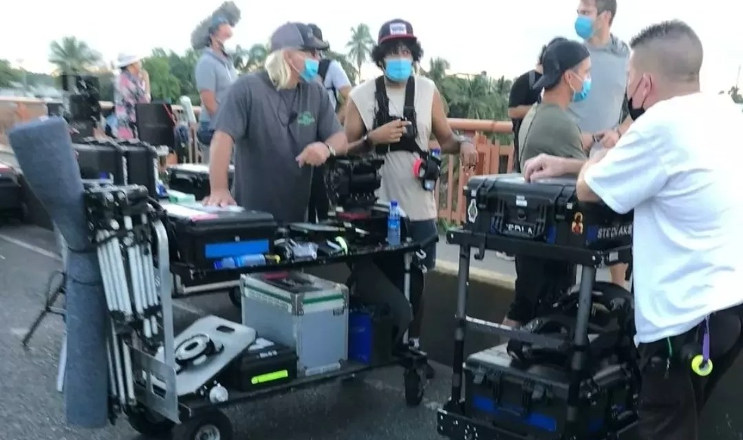 Esta es la película que están filmando en el puente de la 17