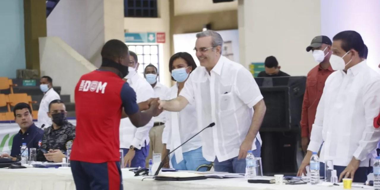 Abinader anuncia reparación masiva de 1,000 viviendas en Monte Plata