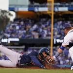 Bravos ponen al borde del abismo a los Dodgers en campeonato de la Nacional