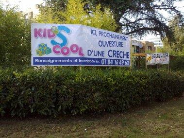 DOYEN SIGNALETIQUE MOBILE BACHE KIDS COOL