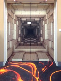 DOYEN MARQUAGE PORTE DECORATION TROMPE OEIL ESCAPE GAME ESCAPEGAME