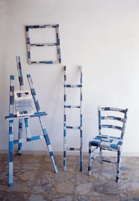 """La Peinture en Patchwork, """"le châssis comme image"""", Fragement no 640 - 1993 châssis, chaise, echelle et filse"""