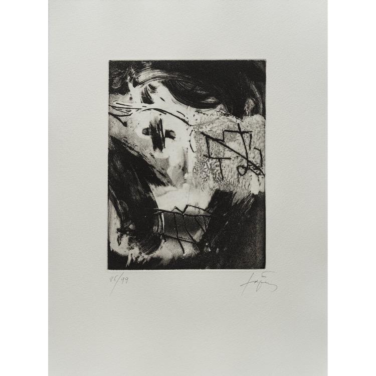 Antoni Tapies, gravure  numérotée et signée par l'artiste. Tirage à 120 exemplaires numérotés sur papier vélin d'Arches. [Paris : Espace Latino-Américain, 1985]. Photographie : Véronique Huyghe