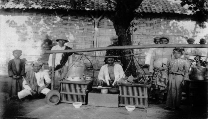 Sejarah asal-usul HIK, Wedangan Angkringan