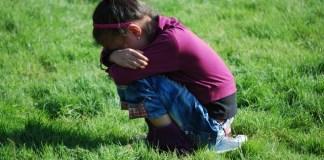 Mengatasi anak sering menangis, megatasi anak cengeng, jenis air mata