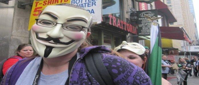Anonymous Apa itu Hackers dan Apa pula Crackers