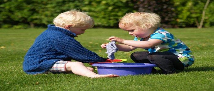 Mendidik Anak Sejak Dini Mampu Melatih Kepedulian Pada