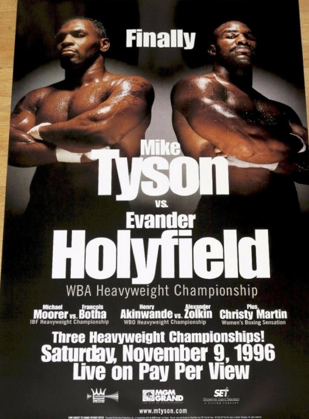 Mike Tyson Vs Evander Holyfield FIGHT!