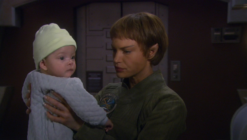 T'Pol with her daughter.