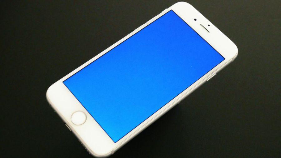 iPhoneがブルースクリーン(青い画面)になる原因と対処法!