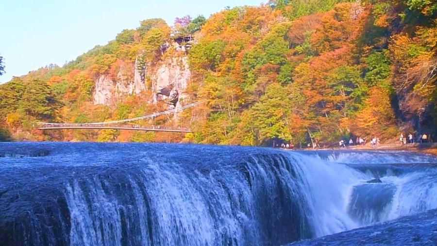 吹割の滝の紅葉の2017年の見頃は?アクセス・駐車場や見どころも