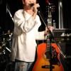 アイドルからシンガーソングライターへ転身した井上紗希、初主催ライブを開催! 彼女は歌いかけてきた、「君の瞳に映る誰よりも可愛い人になりたい」と。