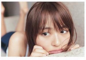 「内田理央写真集 だーりおのいっしゅうかん。」モア版(C)黄瀬麻以/MORE