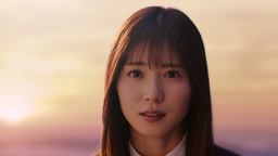 4KテレビのKは、きれいのK?  松岡茉優さんが家電量販店店員に!? 4Kを説明する神接客を披露