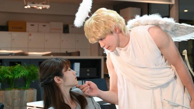 TBS火曜ドラマ『私の家政夫ナギサさん』のParaviオリジナルストーリー「私の部下のハルトくん」 ハルトくんがなぜか天使に!!そして、先輩天馬とキス!?