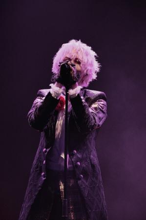 「luz」歌手活動10周年を記念した初の配信ライブを開催