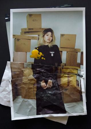 サブスクリプション型家具ブランド『KAMARQ』が、WACK代表の渡辺淳之介氏の手掛けるアパレルブランド『NEGLECT ADULT PATiENTS』とカプセルコレクションをリリース。