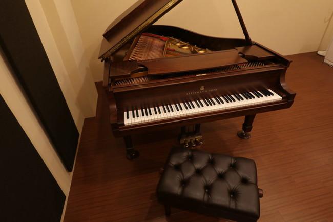 神戸でスタインウェイを演奏するなら【ピアノスタジオ/ベースオントップ神戸元町店】スタインウェイModel-Lを導入