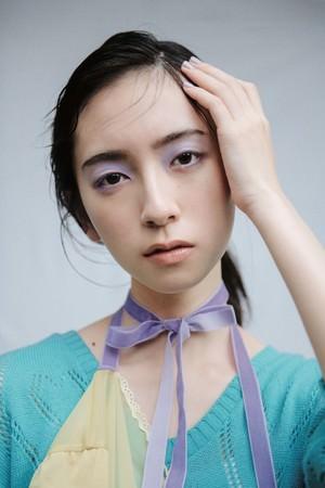 日向坂46金村美玖さんが女性ファッション誌『bis』のレギュラーモデルに決定!