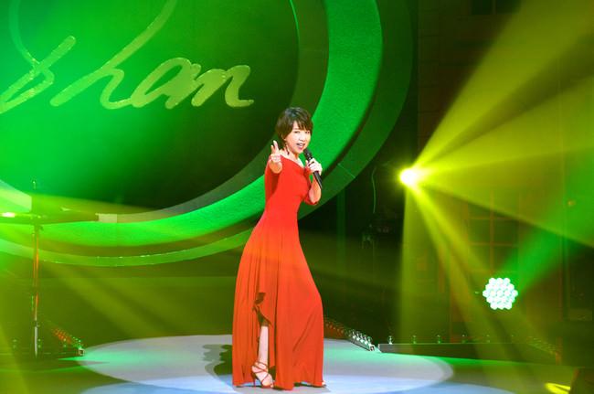 伊藤 蘭コンサートで1年半ぶりの新曲「恋するリボルバー」を初披露!12月に配信限定シングルとしてリリース。
