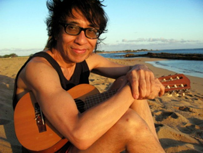 盟友・細野晴臣に沖縄音楽を紹介し、日本のシーンに南洋サウンドを持ち込んだ久保田麻琴による伝説級のサウンド・セレクション「OFF BEAT VACATION」がスタート!