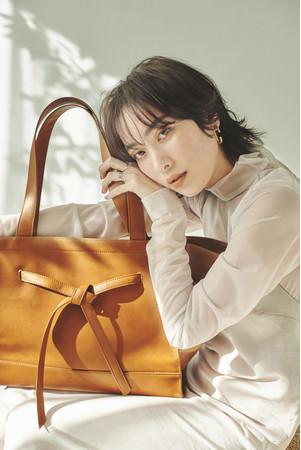 モデルのソンイが手掛ける「SWU」第二弾商品「MULTIWAY BIG TOTE BAG」発売決定!!