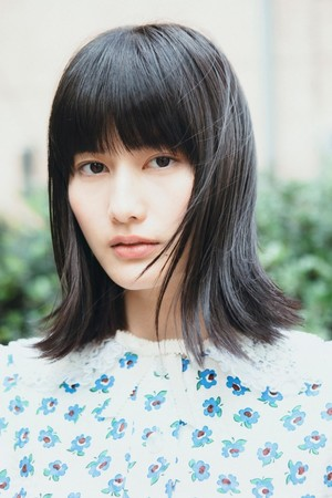 女優・橋本愛 一発撮りパフォーマンスで話題の「木綿のハンカチーフ」が2/19より各配信サイトにて配信決定!Mステにて初歌唱。