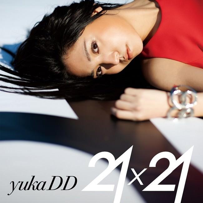 yukaDD(;´∀`)ファーストアルバム『21×21』リリース!「レコログ」でスペシャルインタビュー公開!レコチョク社内ラジオで披露した「Carry On」日中英3カ国Ver.特別公開!