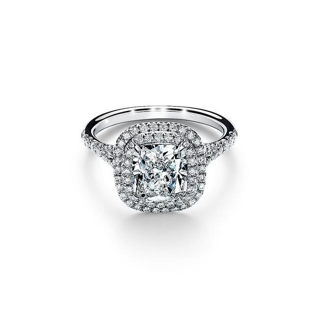 ティファニー ソレスト クッション カット ダイヤモンド リング 参考商品