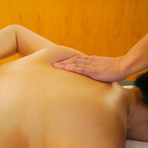 shoulder massage treatment