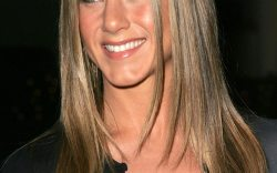 Jennifer Aniston posa en topless