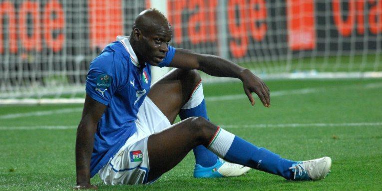 Mario Balotelli acusado de racismo