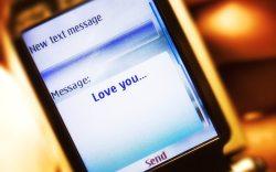 los mensajes de texto arruinan las relaciones