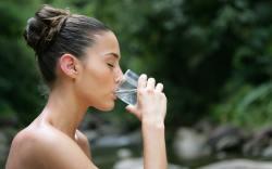 tomar demasiada agua hace daño