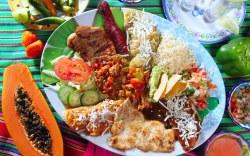 Deliciosa variedad de comida en Cabo San Lucas