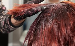 No cometas estos errores al teñir tu cabello en casa
