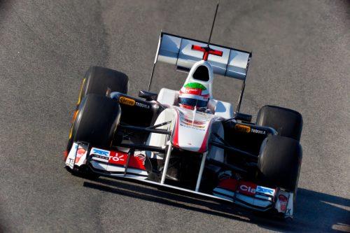 El piloto mexicano Sergio Checo Pérez logra subirse al podio en Bakú