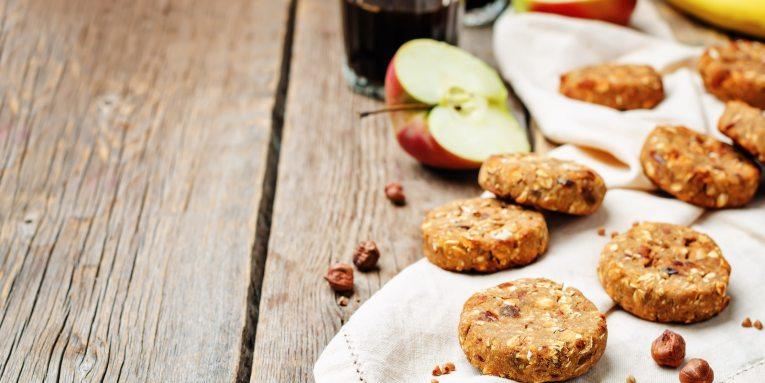 RECETA Galletas veganas de avena, manzana y canela