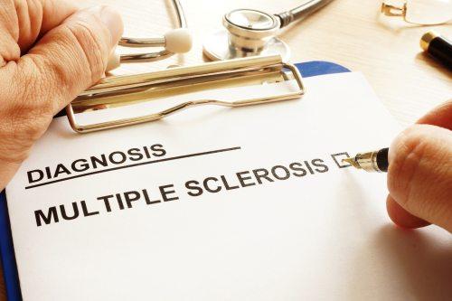 esclerosis multiple diagnostico, esclerosis multiple tratamiento, esclerosis multiple wikipedia, esclerosis multiple definicion, esclerosis multiple consecuencias, que es la esclerosis multiple