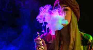 adolescente vapear, vaporizador consecuencias, efectos secundarios del vaporizador, vaporizador salud, riesgos del vaporizador, riesgos de vaa que edad se puede usar un vaper, cigarrillo electronico edad, consecuencias del vape, a que edad puedo vapear, vaper daños, cigarro electronico consecuencias,