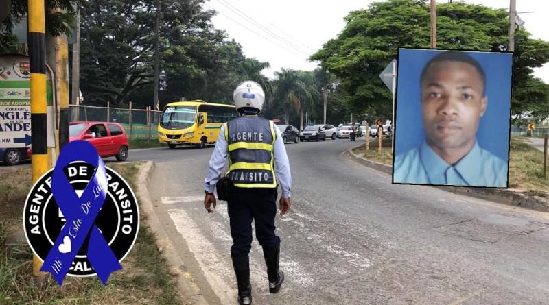 Agentes de tránsito de Cali despiden a su compañero asesinado