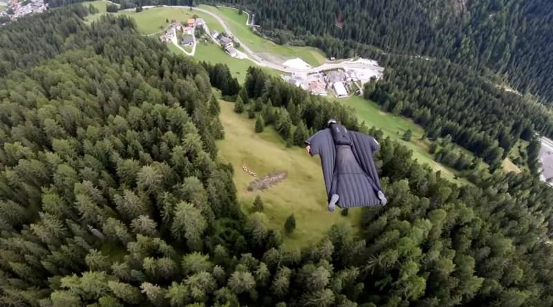 Genial vuelo Wingsuit en la Estrella de la Muerte en Italia