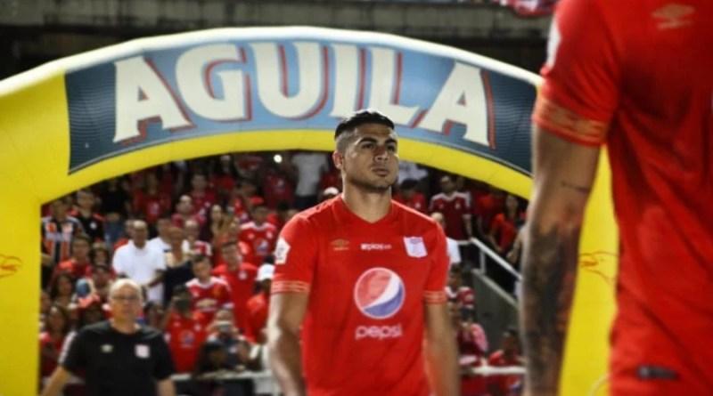 Carlos Sierra jugador del América censuró el diablo del escudo