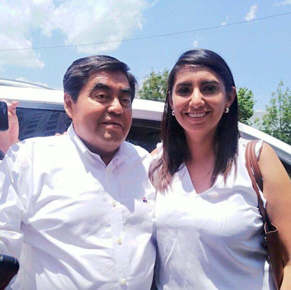 ANGÉLICA ALVARADO SE REÚNE CON EL VIRTUAL GOBERNADOR DE PUEBLA
