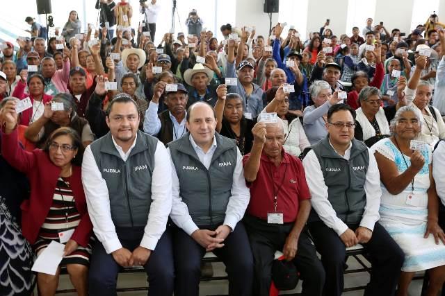 """CON """"RAÍCES DE PUEBLA"""" SE REUNIFICAN FAMILIAS DE POBLANOS MIGRANTES: FERNANDO MANZANILLA"""